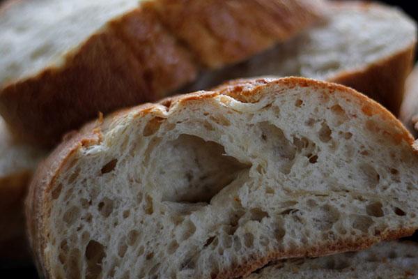 Distributeur de pain frais