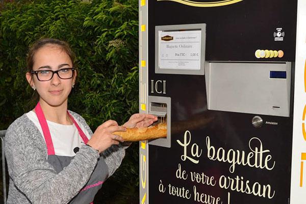 Distributeur automatique de pain installé à Saint-Maur