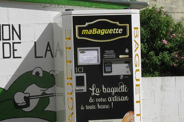Distributeur de baguettes de pain à Loué Sarthe