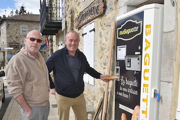 Journal L'Indépendant distributeur de pain en Pyrénées Orientales