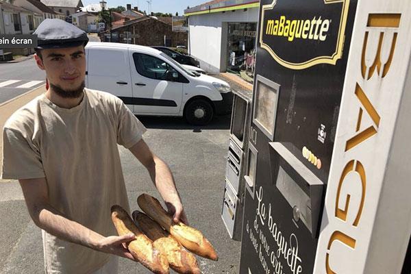 Photographie d'un distributeur automatique de pain maBaguette installé à Aubigny en Vendée